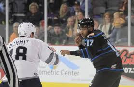 Graves showing he's more than just a fighter for Storm | Quad-City Storm  Hockey | qctimes.com
