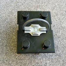 central air archives made by alan flipping it over you see the fuses in the block this is a 220 volt circuit so there are two fuses can go bad over time because of heating and cooling