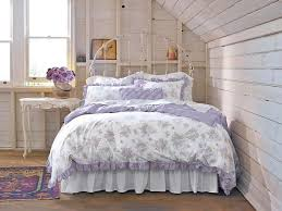 View in gallery Cozy shabby chic bedroom idea