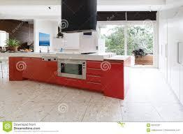 Küchenschränke Des Orange Rotes In Der Insel Setzen In