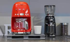 The café coffee maker allows you to brew anywhere from one to 10 cups of coffee at a time, and you can customize the strength of your coffee. Smeg Coffee Maker Review Verdict Friedcoffee