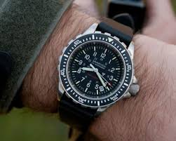 the 18 best looking dive watches you can buy business insider marathon diver s quartz watch 714 98