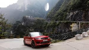 Das soll ja nicht so gut sein für die gelenke,wenn große hund die treppe hochgehen. Irres Web Video Range Rover Erklimmt Steile Treppe In China Leben Wissen Bild De