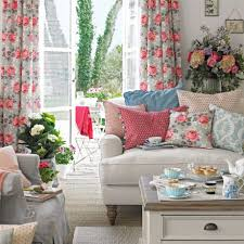 Patterned Curtains Living Room Shabby Chic Living Room With Floral Curtains And Patterned