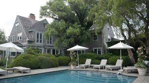 famed hamptons home grey gardens for for 19 95 million