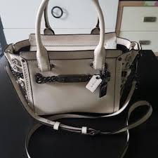 coach swagger 27 in glovetanned leather with willow fl detail women s fashion bags wallets on carou