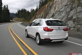 Road Test: 2014 BMW X5 xDrive30d vs X5 xDrive50i - GTspirit