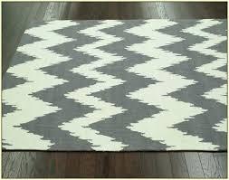 gray chevron rug gray chevron area rug