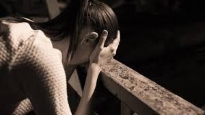 Resultado de imagen para mujer angustiada