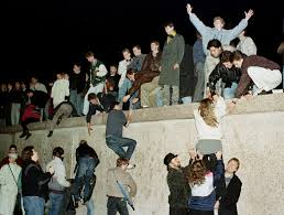 berlin wall essay help me do my essay the berlin wall help me do my essay convent fc