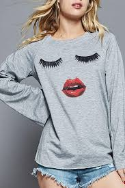 eyelashes and lips shirt in heather gray heather gray color e61