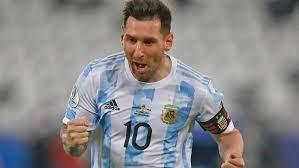 كوبا أمريكا 2021 | ميسي رجل المباراة في فوز الأرجنتين على أوروجواي سواريز