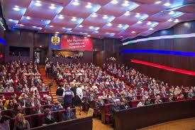 Губернатор А Г Тулеев наградил в Новокузнецке ученых защитивших  Губернатор А Г Тулеев наградил в Новокузнецке ученых защитивших диссертации в 2012 2013 х годах