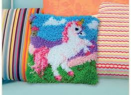 hobbycraft latch hook kit 13 x 13 in cushion cover rug wall decoration making