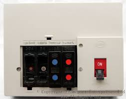 memera four way plastic rewireable fusebox memera 3 rewireable fuses and shields memera 3 fusebox fuses removed the fuses just pull out
