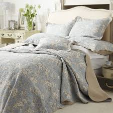 Inform Grey Quilted Coverlet   HQ Home Decor Ideas & Image of: Simple Grey Quilted Coverlet Adamdwight.com