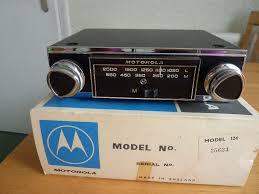 motorola car radios. motorola vintage car radio, model 124, boxed with instructions radios o