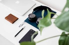 The 18 Best Minimalist <b>Wallets</b> for <b>Men</b> | Top <b>Slim</b> Designs | Improb