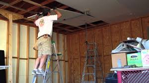 how to hang sheet rock one man drywall installation on ceiling 2 0 youtube