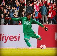 """Transfer Merkezi ™ na Twitteru: """"ÖZEL // Trabzonspor, Ümraniyespor'un  başarılı kalecisi Burak Öğür için resmi teklifte bulundu.  https://t.co/95TQUkjEZR"""" / Twitter"""