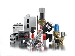 Контрольно измерительные приборы Контрольно измерительные приборы классифицируются по следующим основным признакам