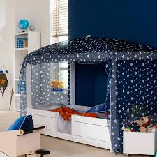 Kinderbett für Zweijährige - sicher, umbaubar, mitwachsend