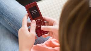 Great Tips to Manage Your Teenagers Cell Phone Use     The High     Josh Shipp     cell phone  Texting safety for teens