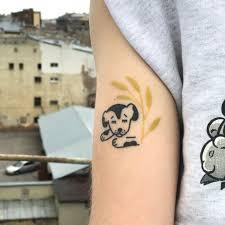 место женщины в татуировке