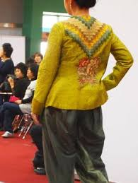 Pin by QFIK on Wearable Quilt Fashion Show | Pinterest | Fashion & Quilts, Fashion, Comforters, Fashion Styles, Quilt, Log Cabin Quilts, Moda,  Quilling, Crochet . Adamdwight.com