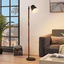 Stehlampe Birte Holz Metall Schwarz Lampenwelt Verstellbar