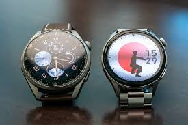 Introduced smartwatches Huawei Watch 3 ...