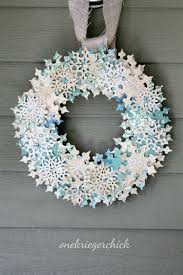 modern wreaths to make this christmas  contemporist