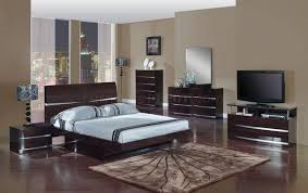 Cool Good Bed Room Set 84 About Remodel Home Design Ideas With Bed In  Modern Bedroom