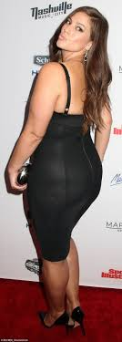 Size 16 model Ashley Graham says women should love their curves.