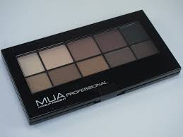 mua makeup academy eyeshadow palette review swatches
