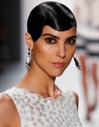 Sviatočný Look Originálne účesy Pre Krátke Vlasy