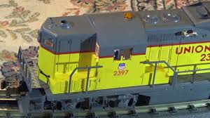 Lionel Union Pacific GP-9 Diesel Engine O Gauge 3 Rail - YouTube