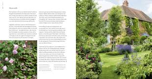 my secret garden a personal tour of my own private plot alan titchmarsh jonathan buckley 9781849900584 com books