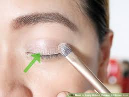 image led apply natural makeup for brown eyes step 4