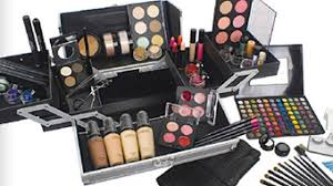 professional makeup kits. highly recommend for both the master makeup program and artistry 101 professional kits l