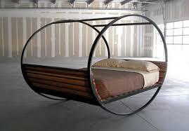 Dondolo Da Giardino Sospeso : Unconvetional sleeping i letti più strani al mondo