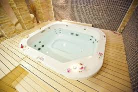 how to clean jacuzzi tub how to clean a jetted tub clean fiberglass jacuzzi tub