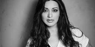 Share your best pics of bollywood beauty wallpapers. Bollywood Actress Sonali Bendre Has Been Diagnosed With Cancer
