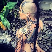 татуировки наргиз звезды птица феникс скрученное сердце эмбрион