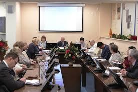 Темы дипломных работ должны помогать в развитии университета Темы дипломных работ должны помогать в развитии университета учсовет ИУЭиФ Гафуров Котенкова