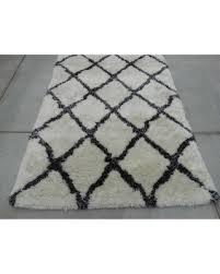 black and white geometric rug. 5x7 feet super soft shag shaggy white black wool carpet rug modern contemporary hand-tufted and geometric m