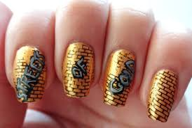 Lacquered Lawyer | Nail Art Blog: Streets of Gold