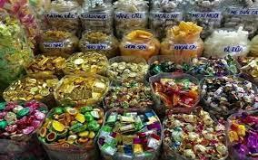 Bắt 30 tấn bánh kẹo rởm đang trên đường tuồn vào Hà Nội