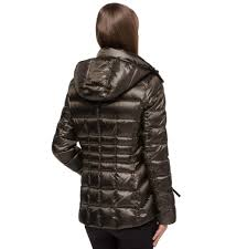 andrew marc womens short hooded down quilted jacket