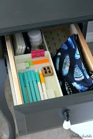 desk organizer ideas i love these simple organization ideas to keep your desk neat and organized diy desk drawer organizer ideas